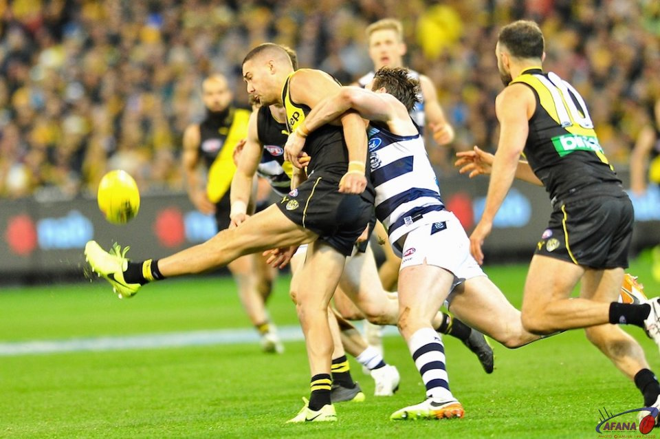 Dangerfield tackles Edwards