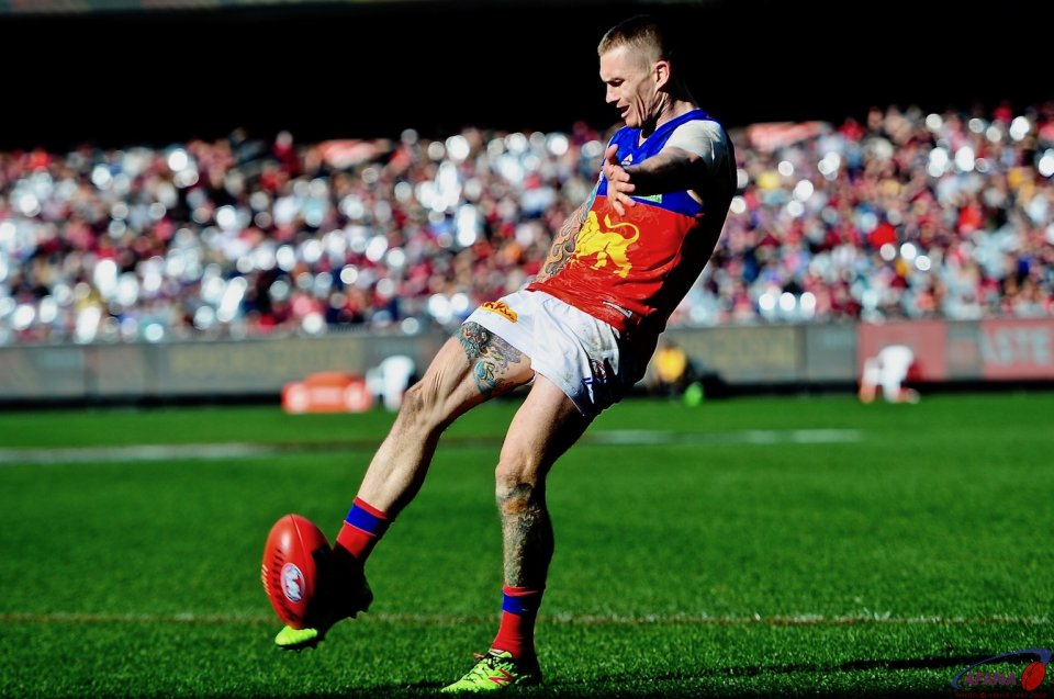 Dayne Beams  shoots and scores