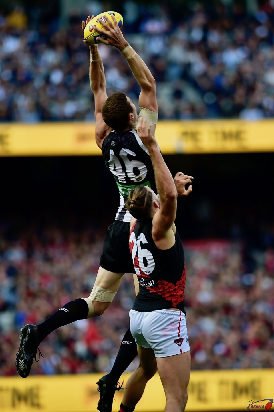 Mason Cox out jumps Cale Hooker taking a specky.
