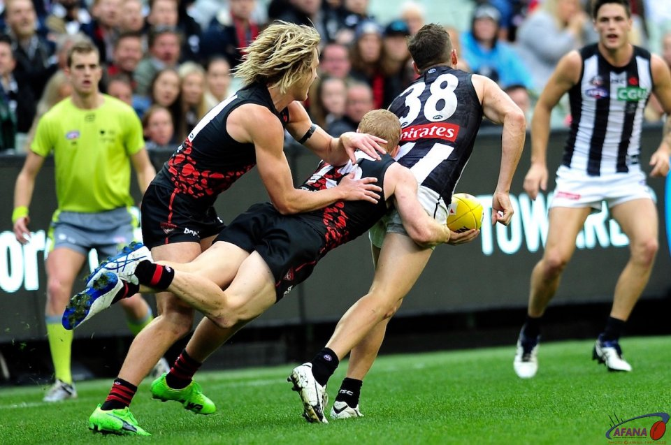 Heppell and Green pile on the pressure as Howe attempts to handball to Maynard