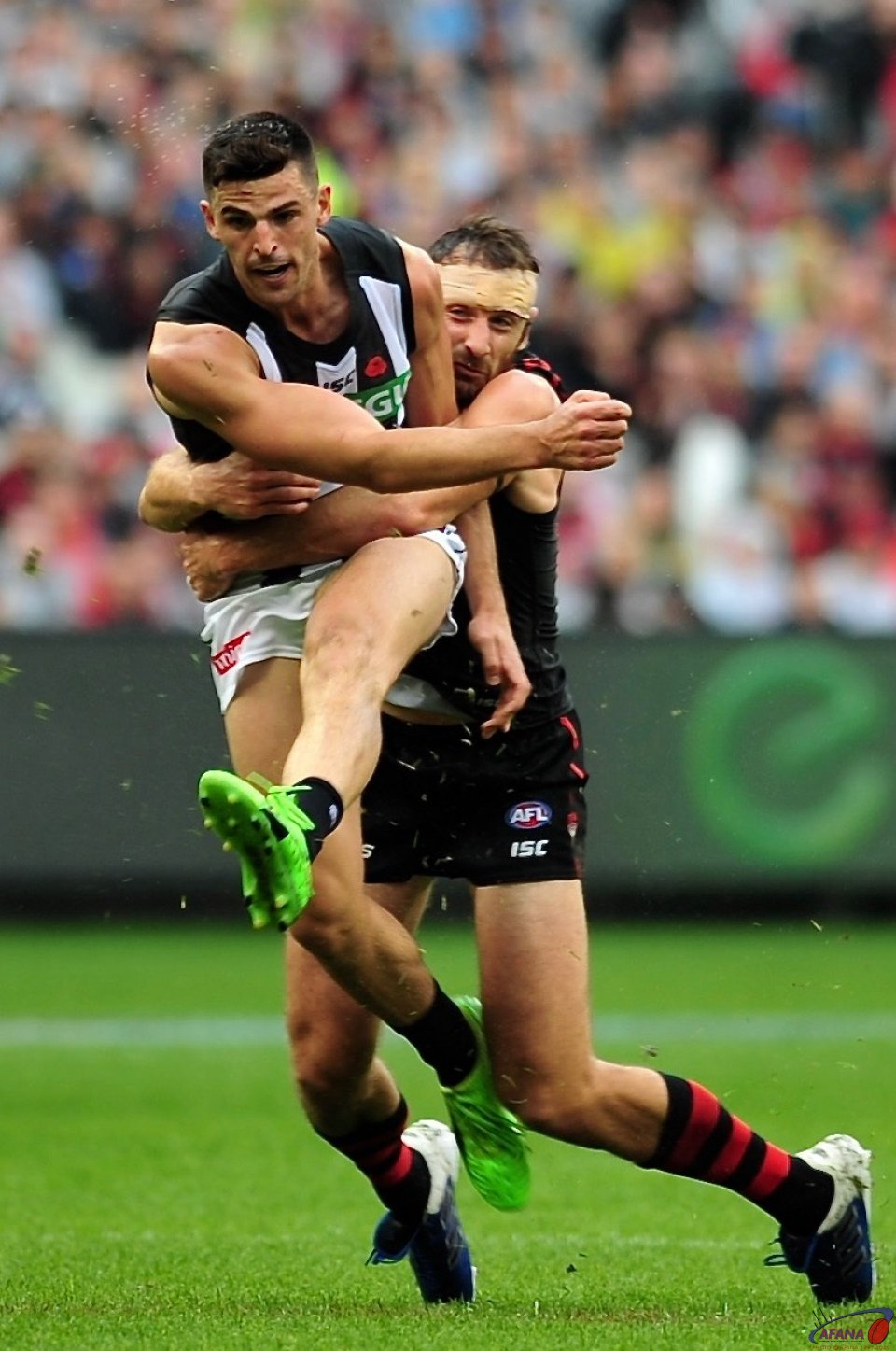 Pendlebury under pressure from Watson