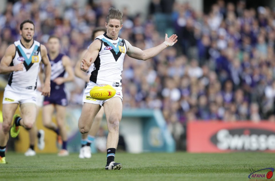 Hartlett Defends