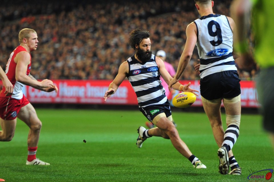 Bartel centres the ball