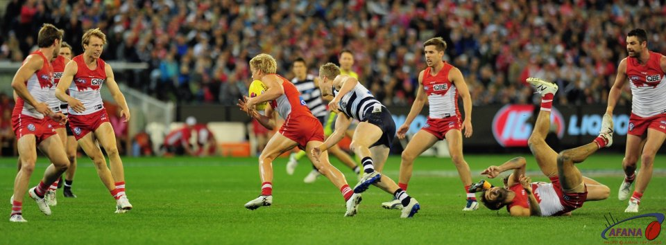 Heeney shows his pace through the midfield