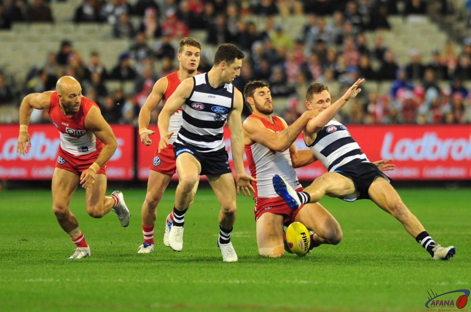 Joel Selwood taken high by Sam Naismith