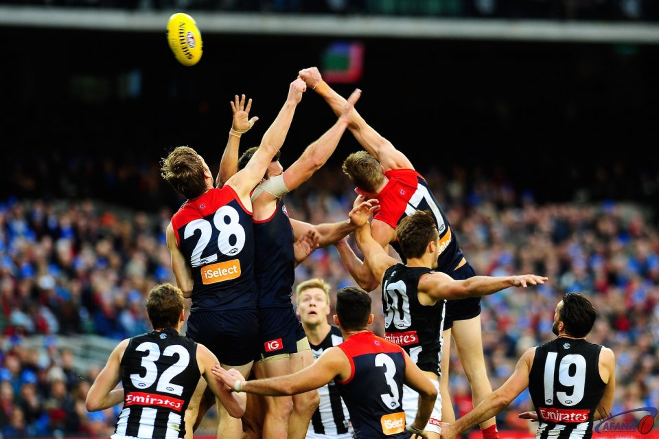 Demons under Magpie pressure in the second quarter