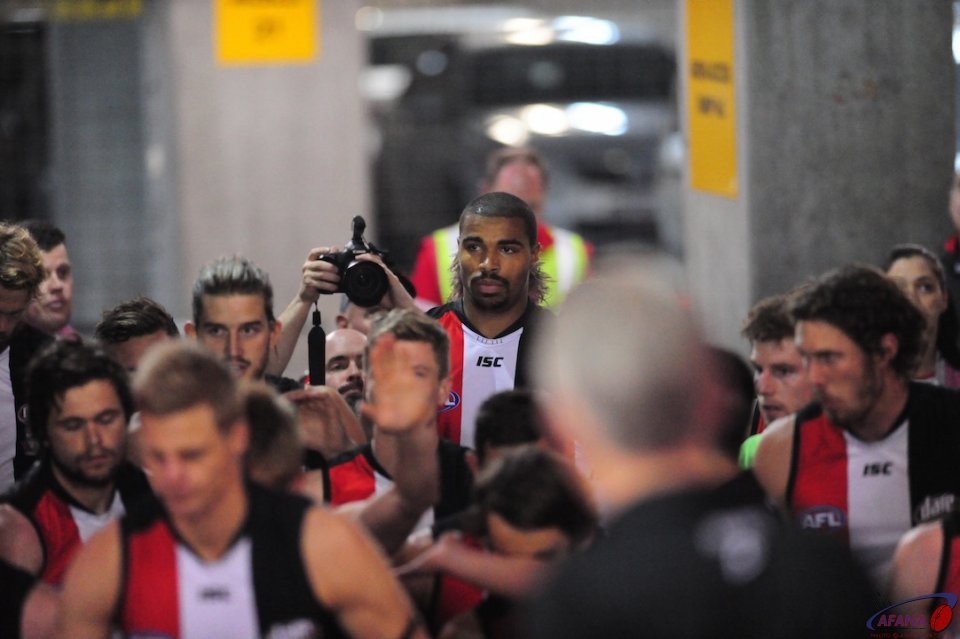 Jason Holmes debut game in the tunnel