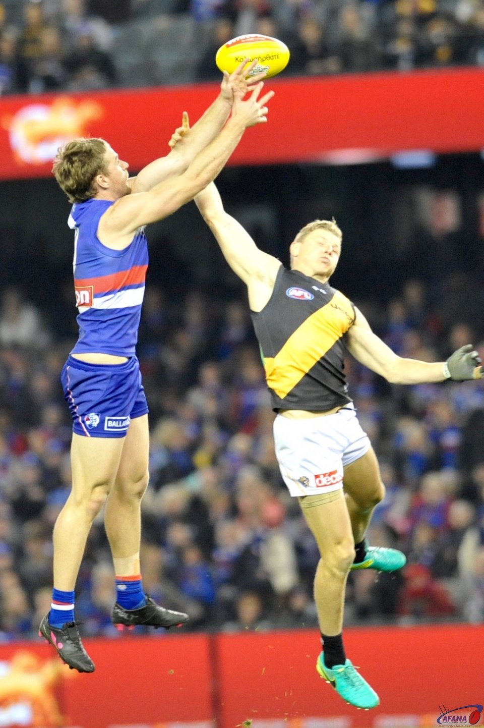 Brandon Ellis attempts to spoil the Jake Stringer Mark