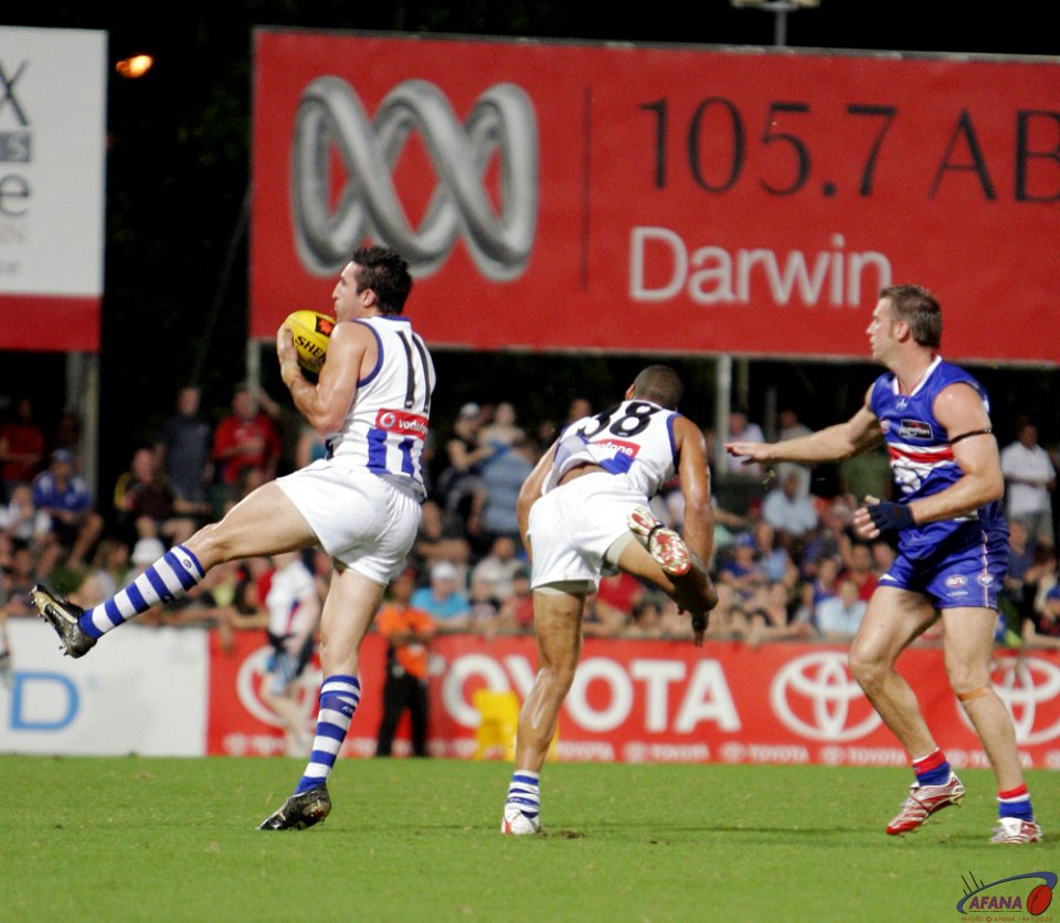 Michael Firr kicks to Josh Gibson