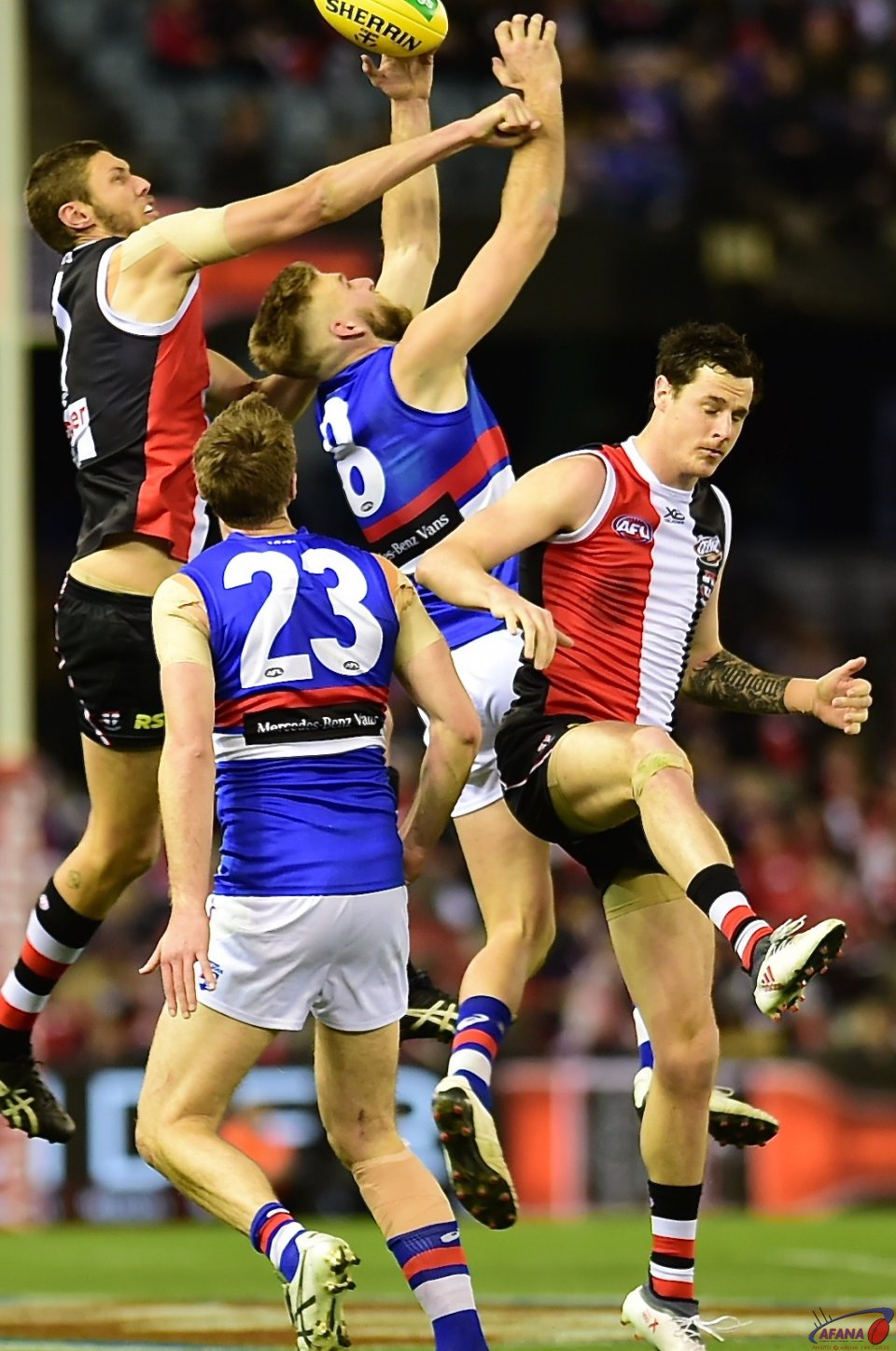 Hickey and Trengove contest.